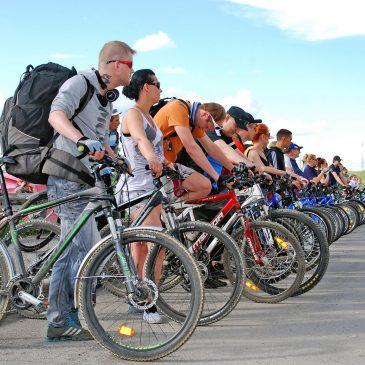В Воркуте прошел велопробег «Заполярная велоночь»