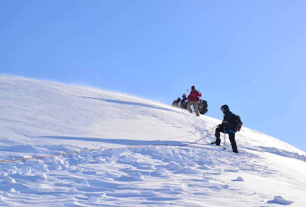 Спуск с горы.